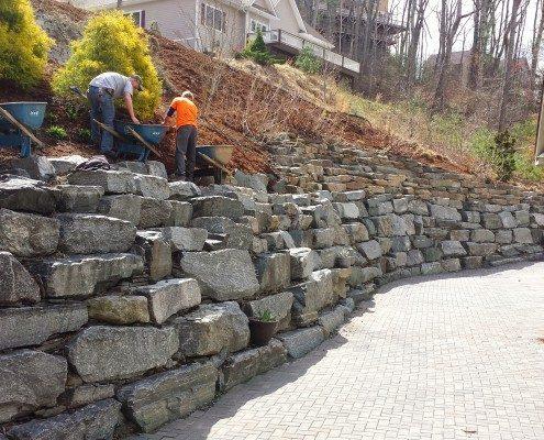 retaining wall-boulder rock