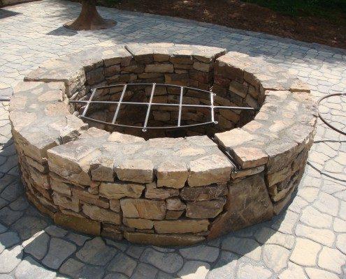 BBQ pit-hardscape-patio-native stone
