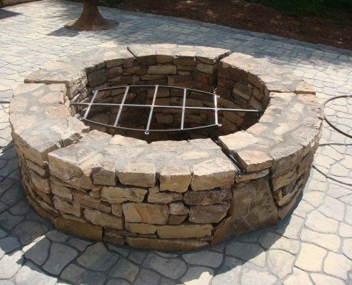 BBQ pit-hardscape-patio-native stone