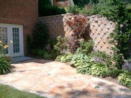 patio-retaining-wall