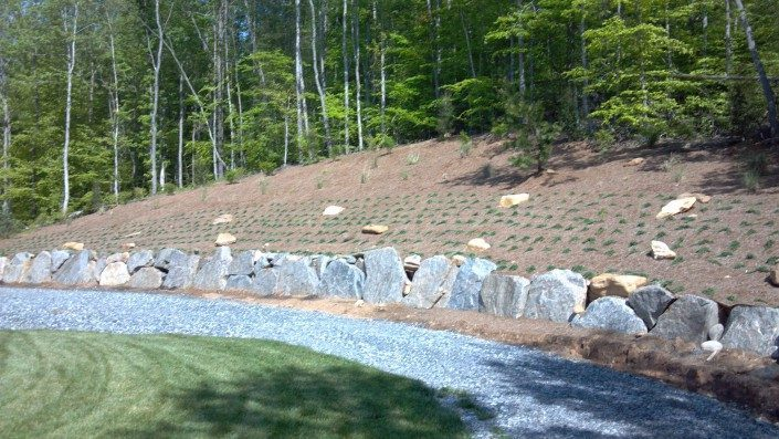 boulder-retaining-wall-mountain
