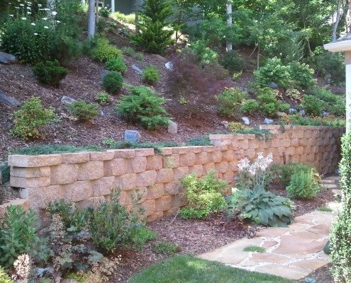 concrete block-retaining wall-hillside gardening-slopes