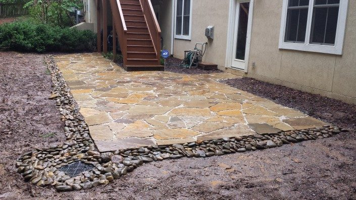 patio-flagstone-river rock