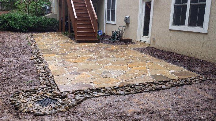 patio-flagstone-river rock