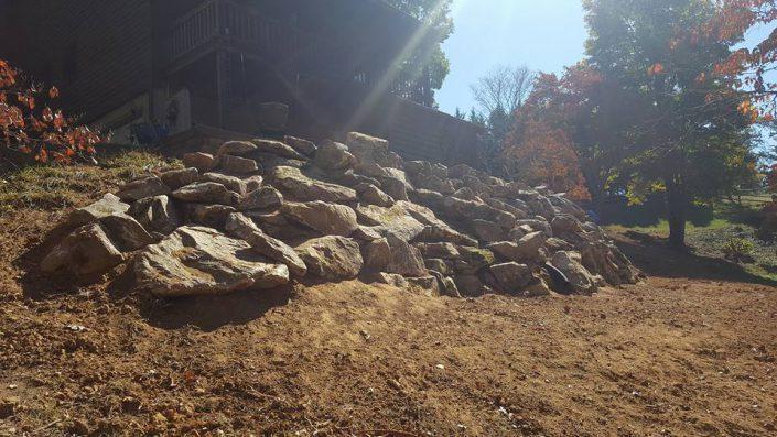 retaining-wall-boulders-stones