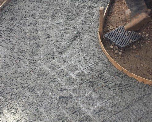 cement-sidewalk-landscaping